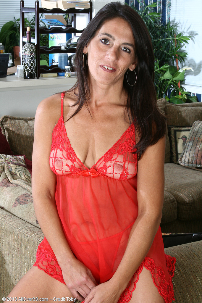 Hot  Wife Stacey Showcasing off Her Red Underwear Before Showcasing Puss