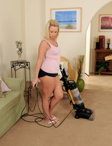 32 Year Old Anna Joy from  Onlyover30 Making Domestic Services Glance Great