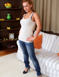 Outstanding 34 Year Old Dorothy Dark Slip out of Her Dinim Denim