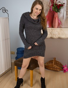 Elegant 34 Year Old Krissi from  Onlyover30 Opens Up Her Long Sleek Gams