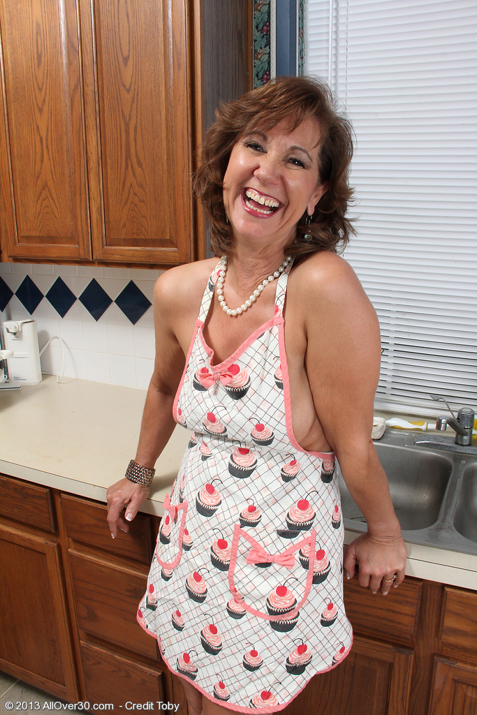 53 Year Old  Wife Lynn Gets Her Older Assets All Juicy and Sudsy