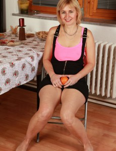 At 43 Years Old  Blond Haired Nella from  Onlyover30 Looks Fine with No Clothes