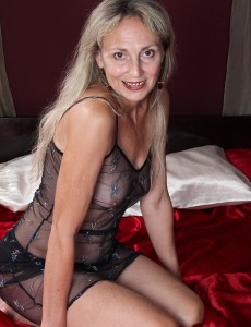 At 52 Years Old Golden-haired Milf Sienna Pridefully Displays Her Humid Box