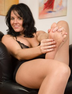 Hot 31 Year Old Leah H Rips off Her Stockings While Fondling Her Soles