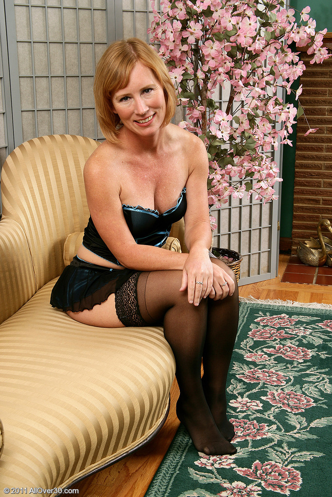 Handsome Milf Cheyanne Looks Spicy Hot in Her Hot Underwear