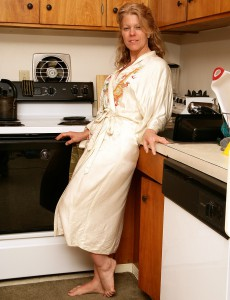 Blond Aged  Wife Lauren E Gets Down and Obscene in the Kitchen
