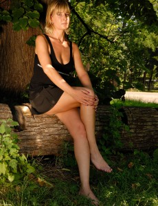 Gorgeous  Blond Milf Linda S from  Onlyover30 Posing  Nude Outside