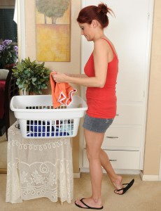 Muscular  Wifey Lya Pink Prepares Her Laundry by Getting in Nature's Garb