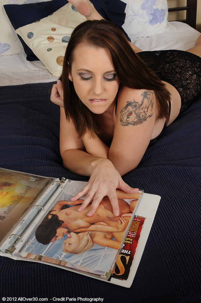 Sweet and Breasty Mandy Sweet Gets Herself off After Reading a Magazine
