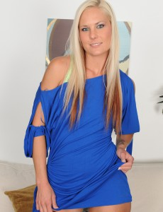 Blond Milf Mary Kelly from  Onlyover30  Takes off and  Opens Broad in Here