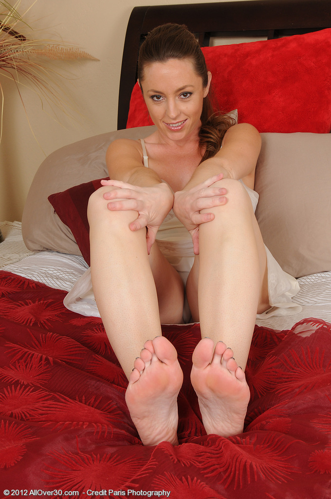 Tamara Fox from  Onlyover30 Shows off Her Pussy and  Hot Soles and Toes