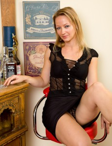 Elegant Tara Trinity Has a Martini and then Loosens Up Her Hot Bawdy Cleft