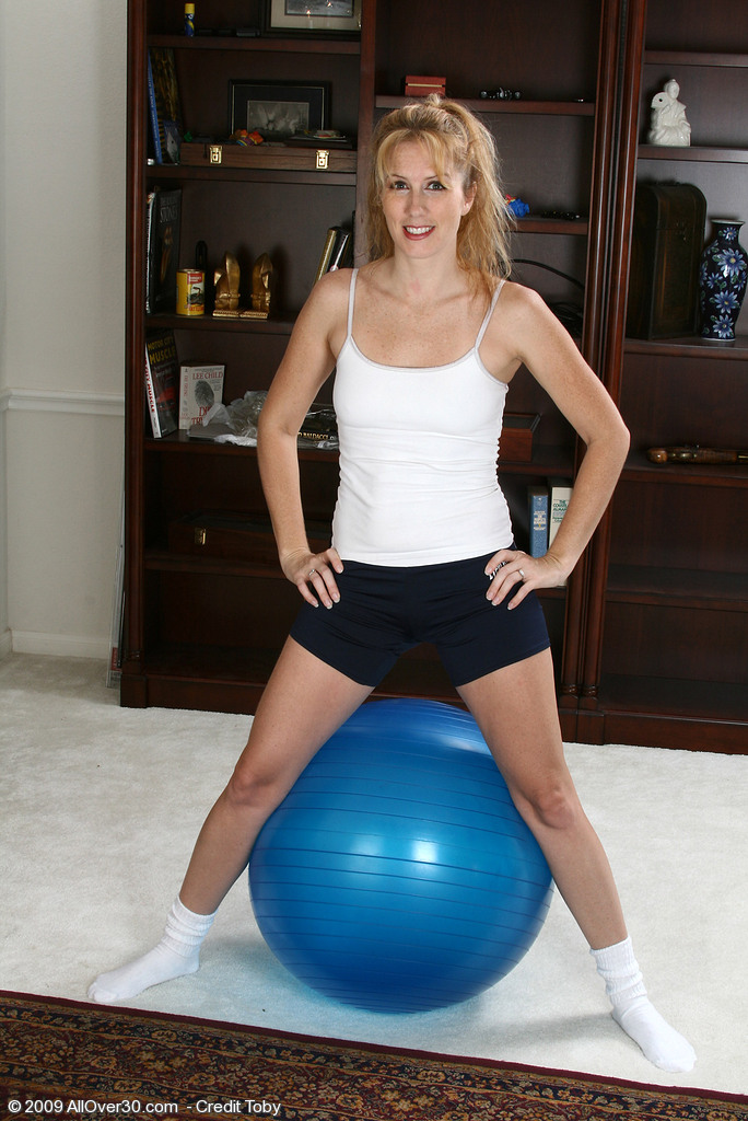 Blond Haired Fitness Mummy Waina from  Onlyover30 in a Bare Workout