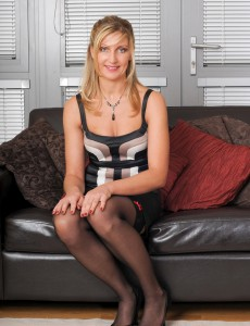 Steamy  Mom Yasmin from  Onlyover30  Opens Her 34 Year Old Gams in Here