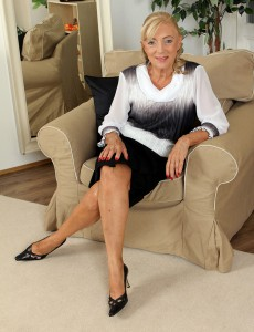 At 65 Years Old Kamilla Can't Live Without to Spread Her Gams for the Cameraman