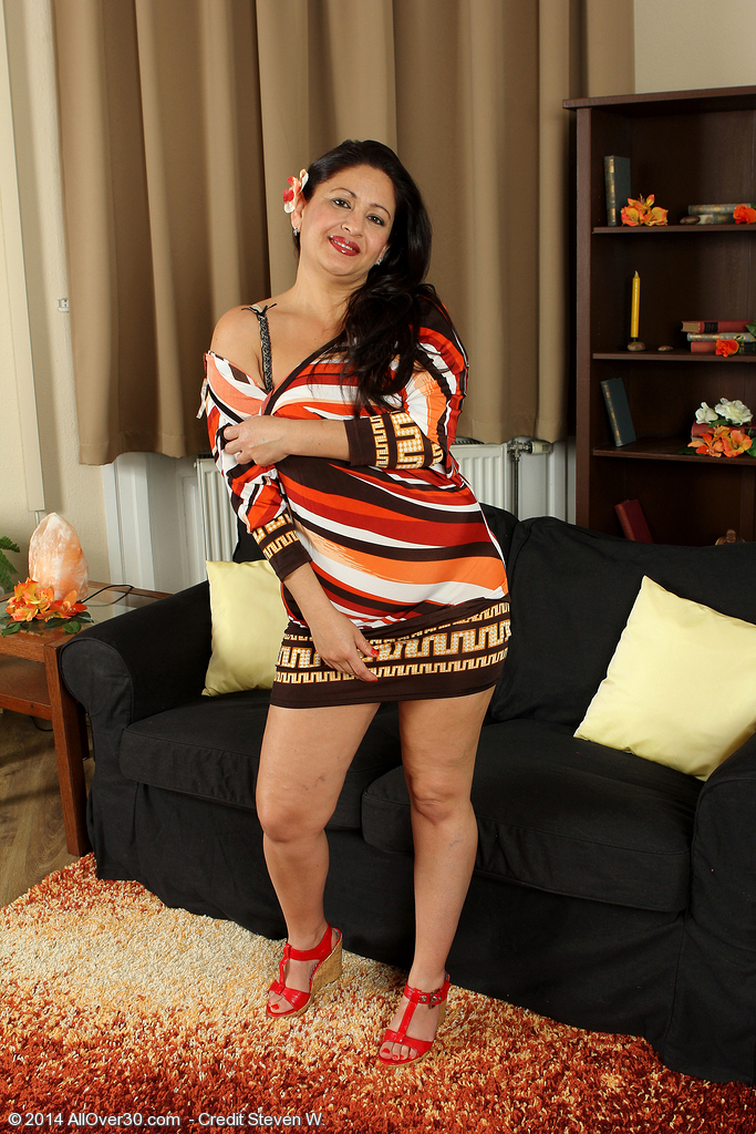Elegant 36 Year Old Milli Unclothes off Her Dress and  Opens Her Beaver