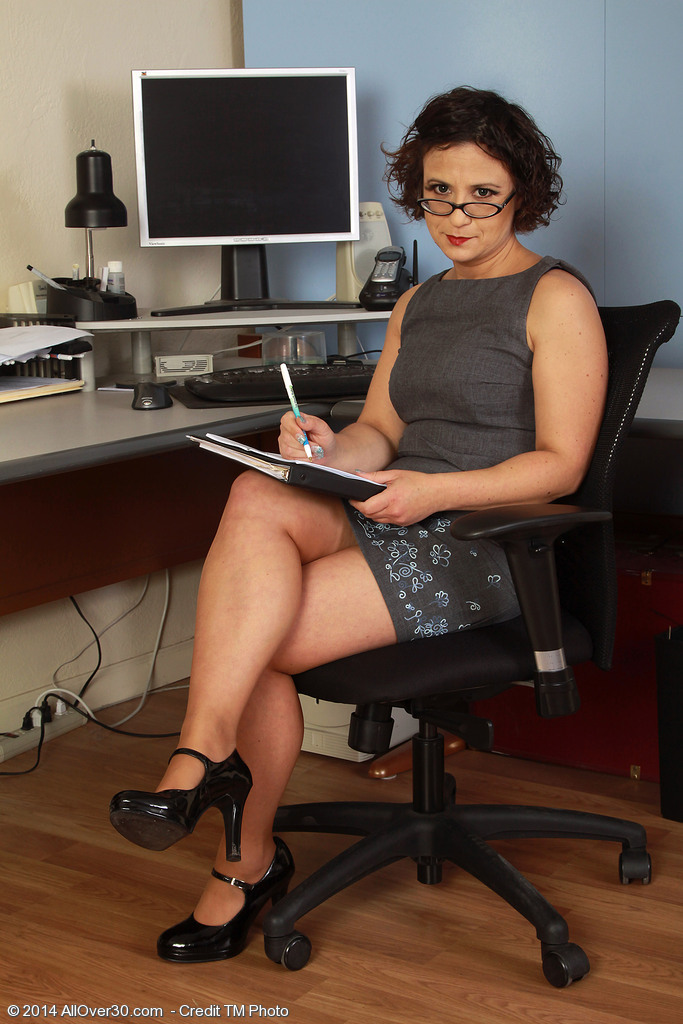 36 Year Old Anna P from  Onlyover30 Stretching Broad in Her Office