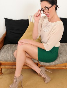 Nerdy  Cougar Bianca Breeze Puts Down Her Laptop to Show We Skin