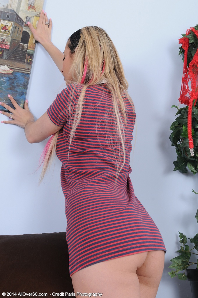 Super Horny 25 Year Old  Blond Alana Luv from  Onlyover30 Works Herself Up
