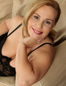 47 Year Old Viky from  Onlyover30 Liking Her Ebony Nylons and Lace