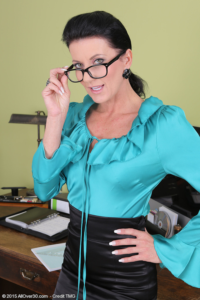 Sexy 32 Year Old Steno Olivia Stretches Her Pussy Broad on the Desk