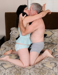Lascivious Old 58 Year Old Raven Flight Getting Her Aged Cookie Fucked