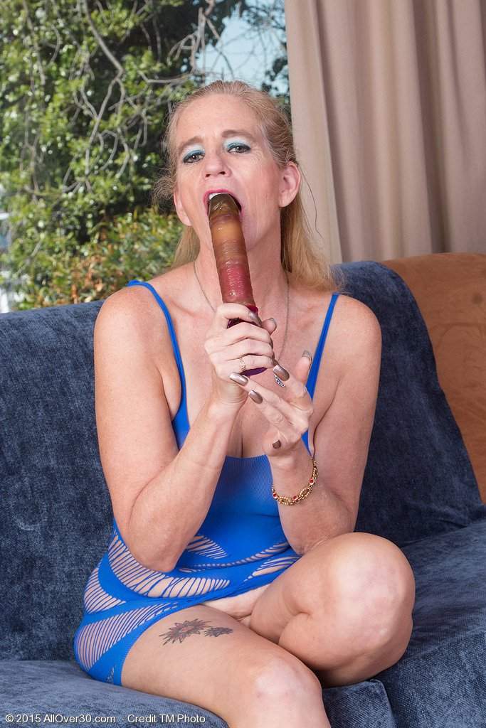 Blond Haired 52 Year Old Ray Lynn Plunging Her  Older Hole Full of Toy