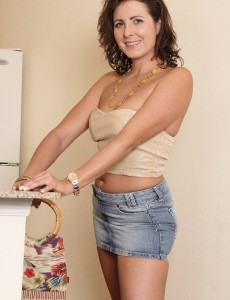 Alluring  Brown Haired Mummy Helena Rice Getting Exposed in the Laundry Room
