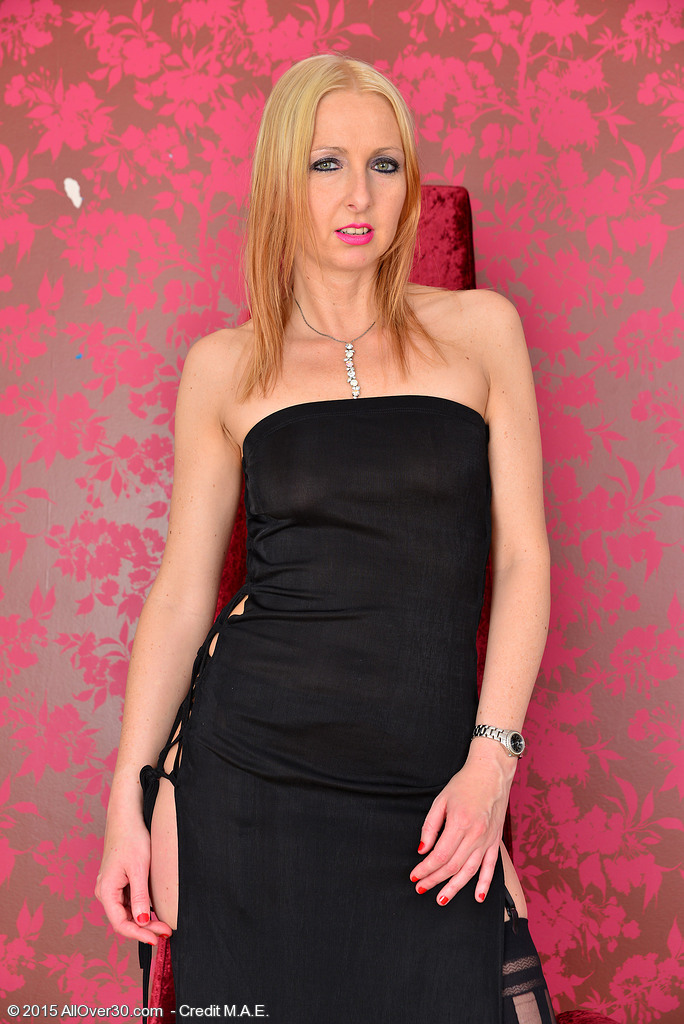 Beautiful and Elegant Tracey Lain Slowlu Strips in the Red Room