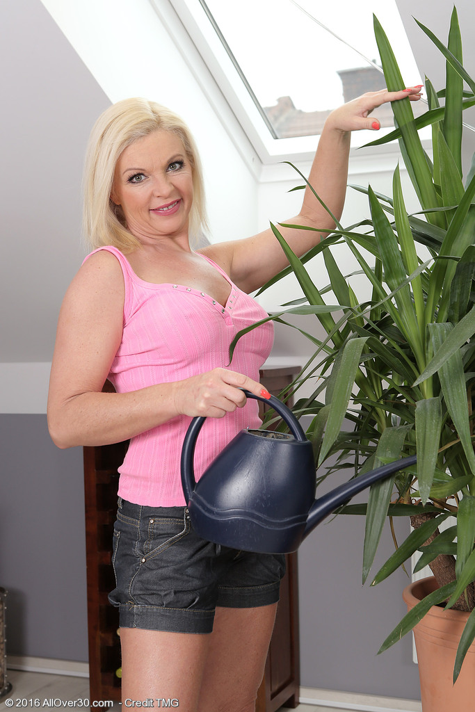 Big Breasted  Blond Haired Carolina Carla Waters Her Plants and Plays