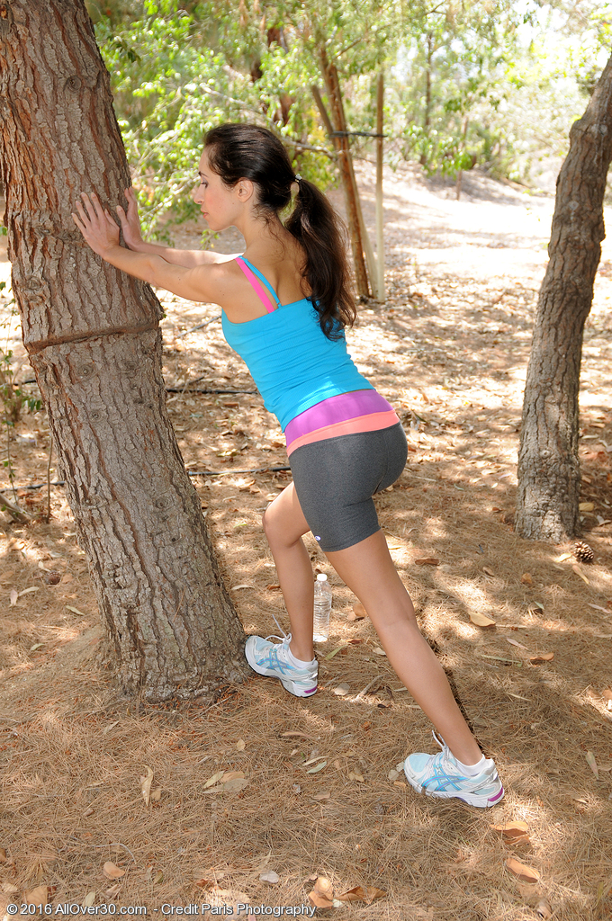 Non-traditional Hotty Bella G Jogs and Undresses in the Woods