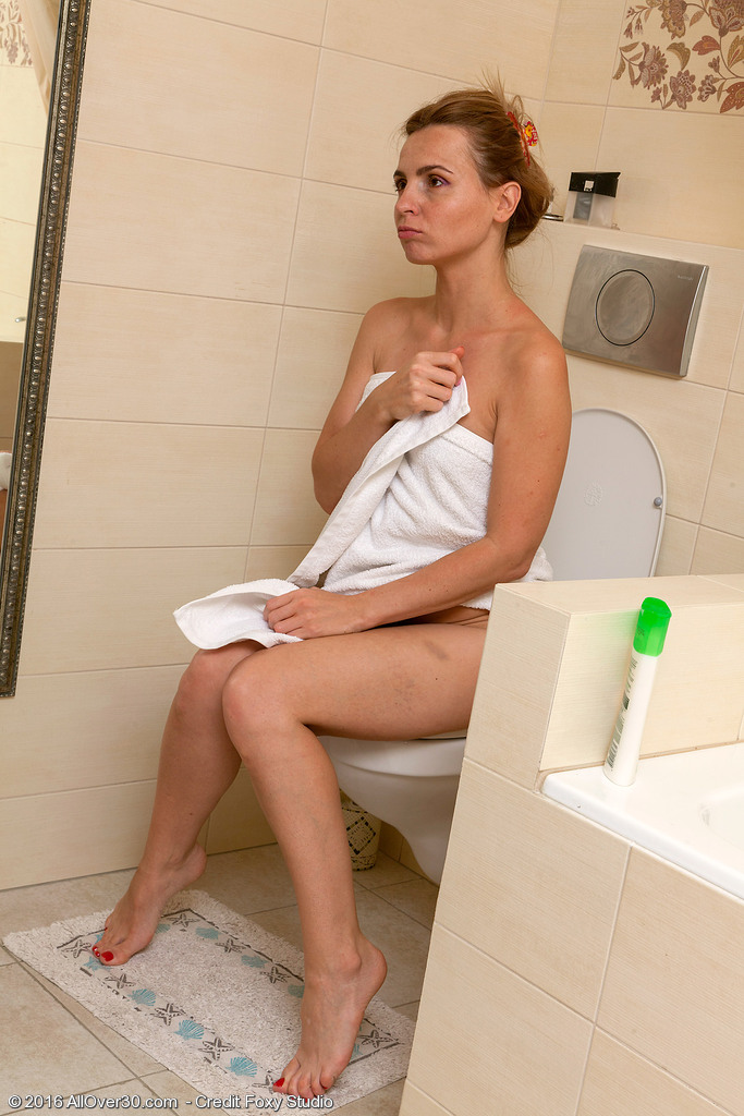 Slim Hottie Margarita Showering and Spurting
