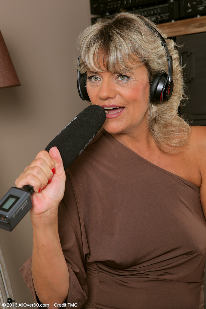 Golden-haired Milf Sherry D is on the Microphone