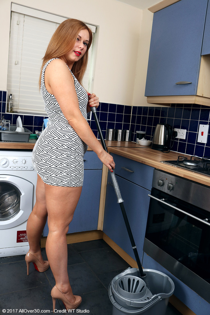 Anna Fun Does Some Chores