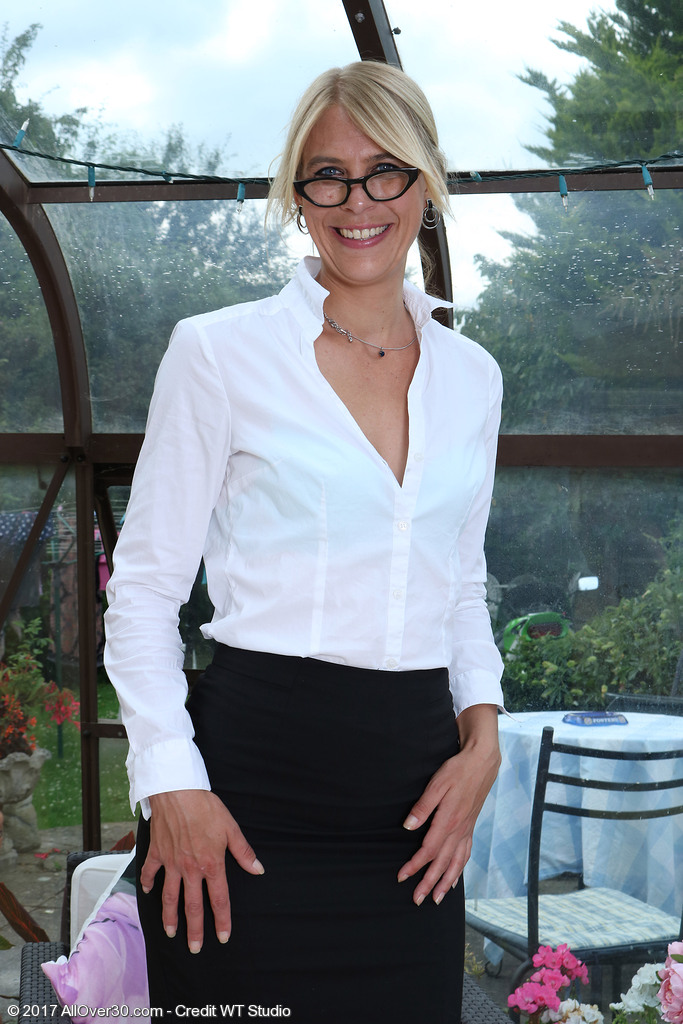 Sexy Blond Secretary Jentina Small