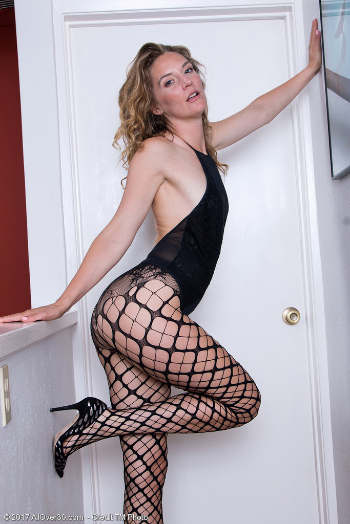Marvelous Mona Wales in Fishnets