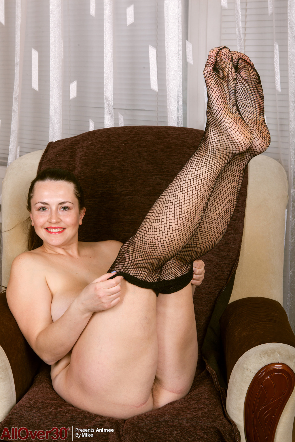 animee-fishnet-secretary-12