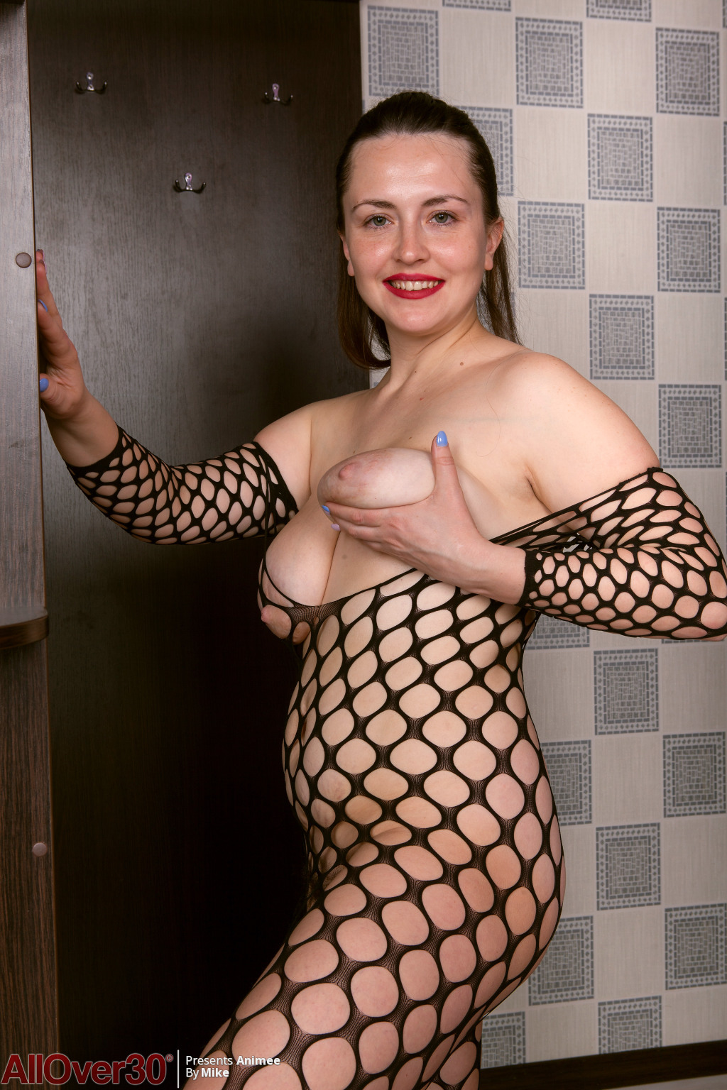 animee-fishnet-bodystocking-10
