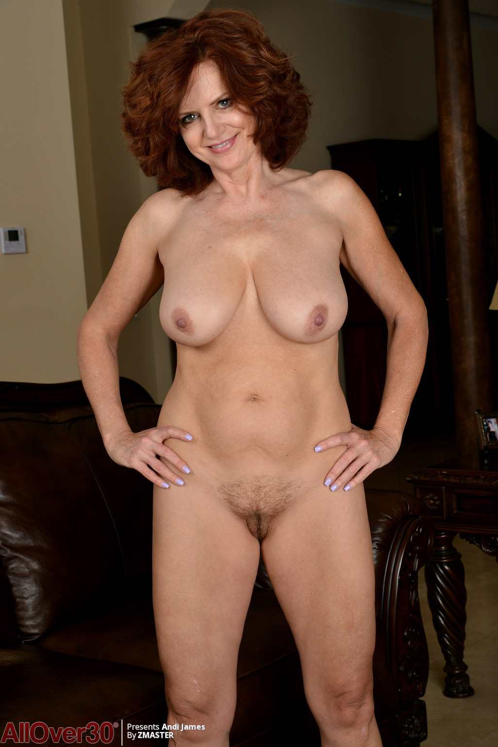 andi-james-showing-that-body-07