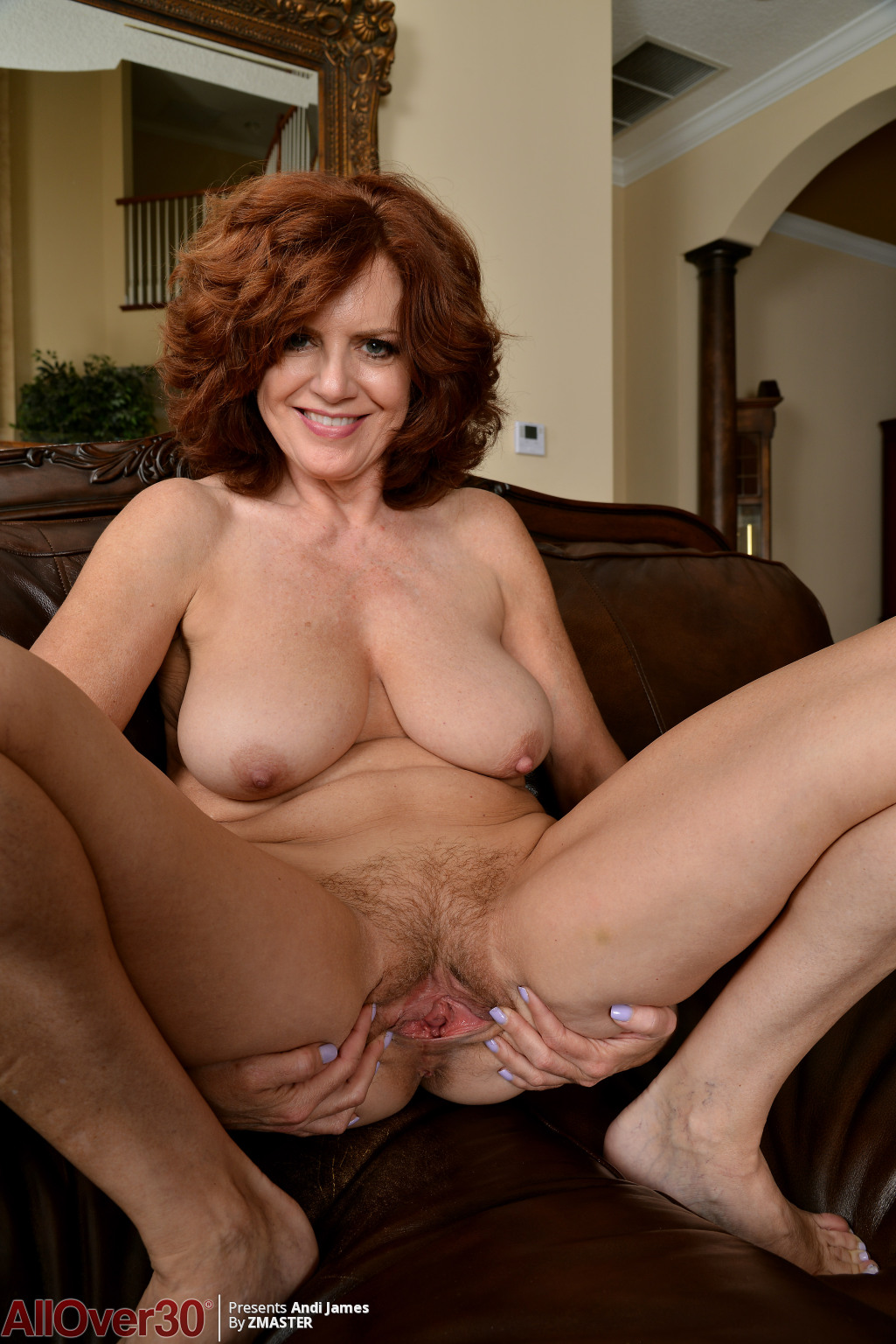 andi-james-showing-that-body-11
