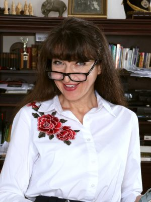 Ivana Slew Studious and hot