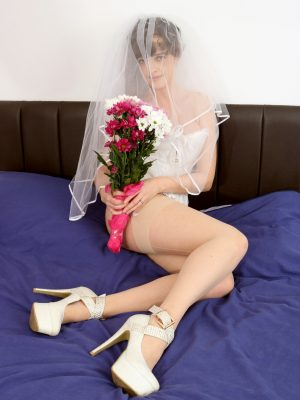 Kate Anne Busty Bride
