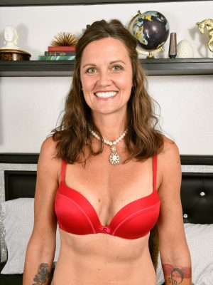 CJ Red Lingerie MILF