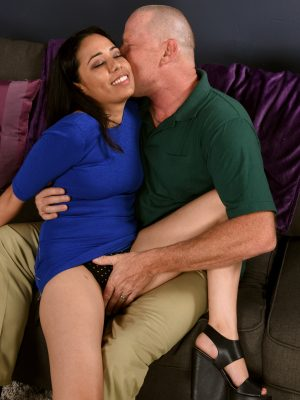 Maya Pearl Rides The Woman Guy