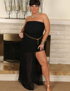 Elegant 33 Year Old Brooklyn Rain Glides off Her Evening Dress and Widens