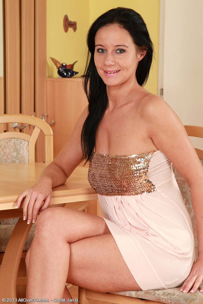 Super Horny Dark Brown  Cougar Enza from  Onlyover30 Glides out of Her Evening Gown
