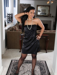 Elegant and  Older Julie Ann Puts on a Undress Show Before  Opening Up