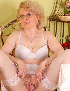 Old white pussy