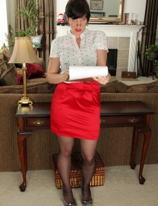 Redheaded  Wife Moxy from  Onlyover30  Undresses After Taking Steno