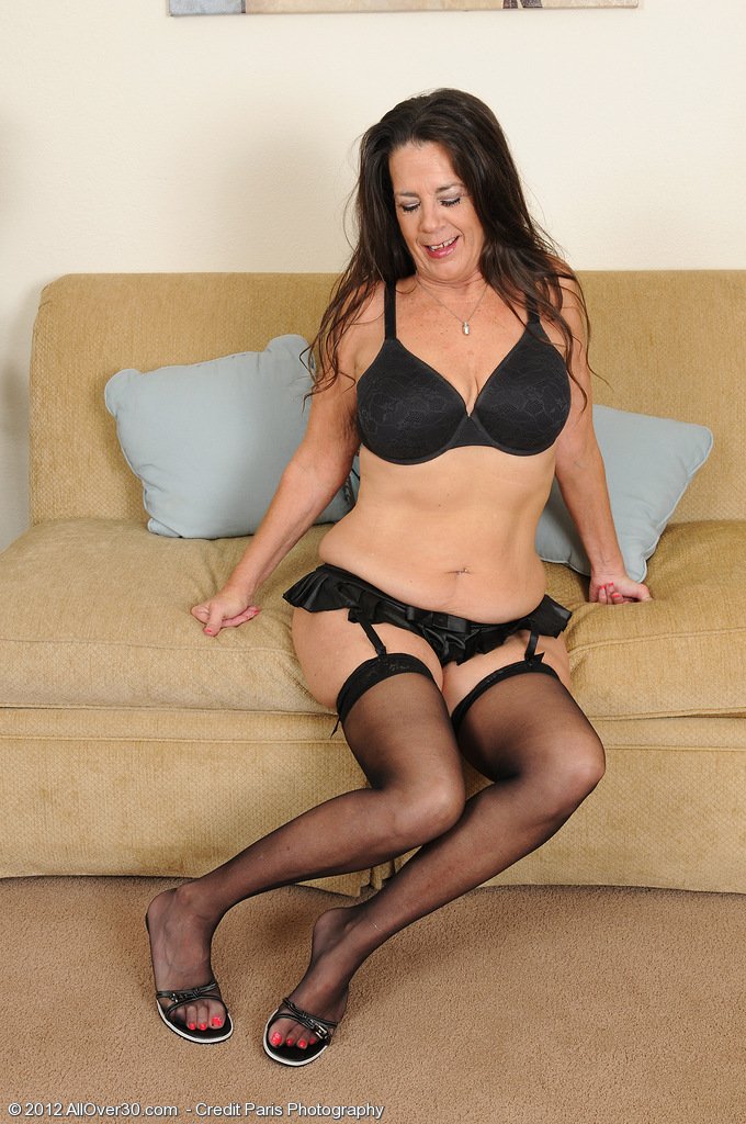 Lacy  Brown Haired Mummy Tia Eats Her Teats and Opens Up Her Older Box